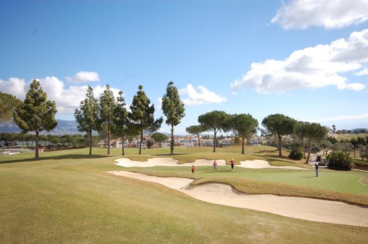 Marbella Banus Terreno Urbano a la venta en La Cala Golf – R3139591