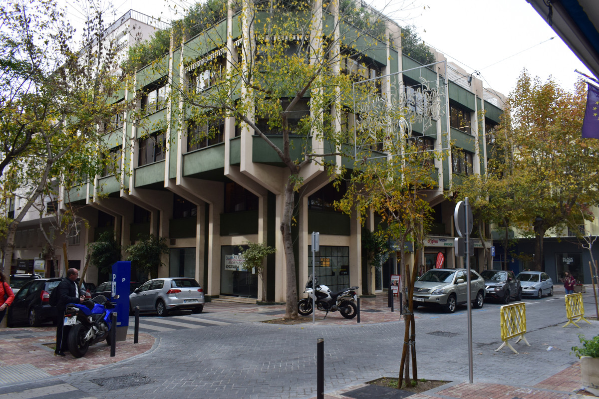 Fantastic office in the center of Marbella. It consists of two offices, waiting room and file room. ,Spain