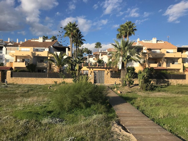 Unique opportunity to acquire a good priced frontline beach apartment with sea views  in the exclusi,Spain