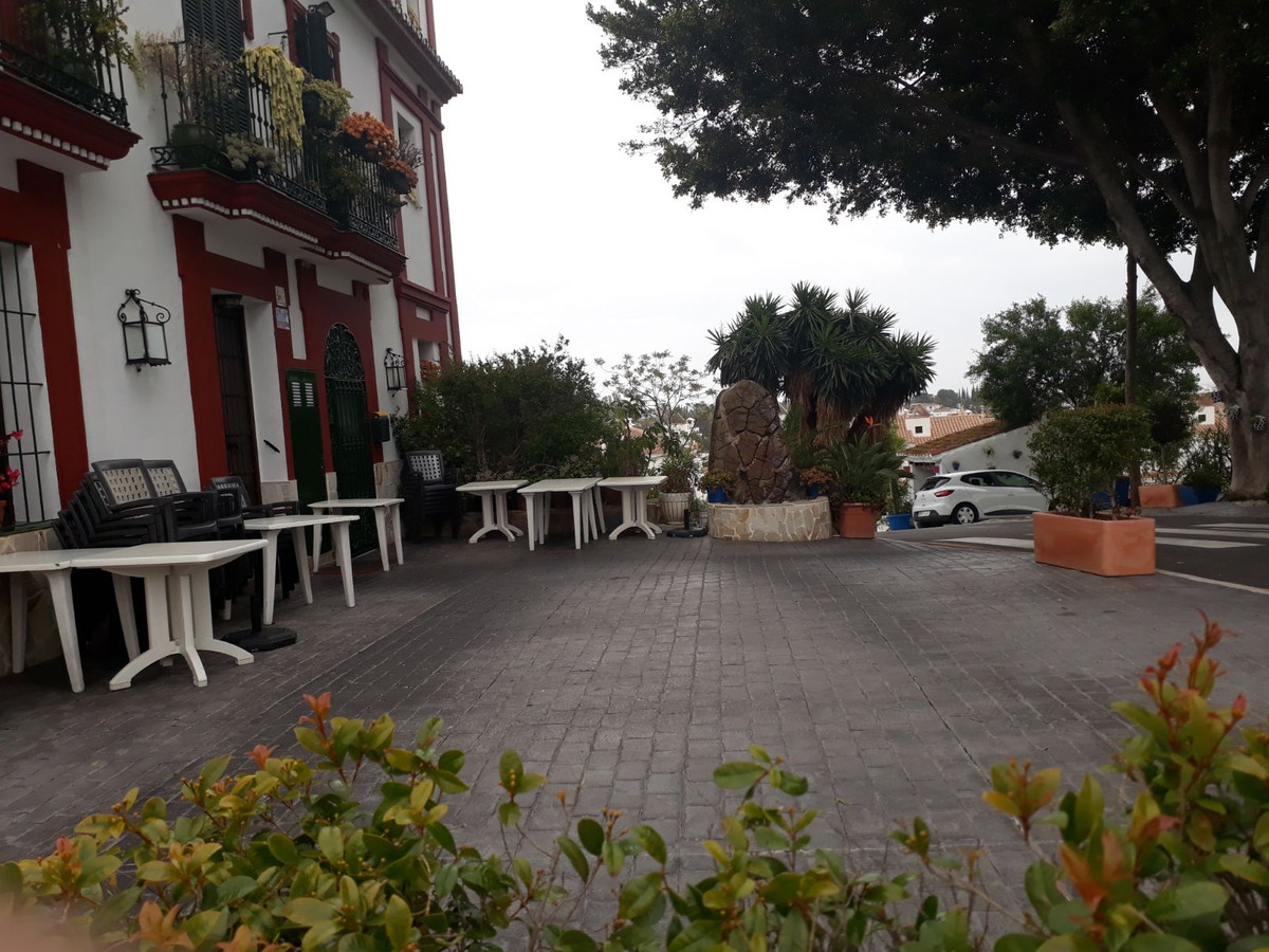 FREE HOLD BUSINESS  Andalusian style  building  consists of warehouse, restaurant, an apartment  wit,Spain