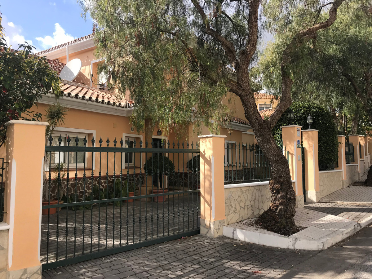 A lovely spacious villa on a nice plot located in Torrenueva. On entering the property there is a pa, Spain