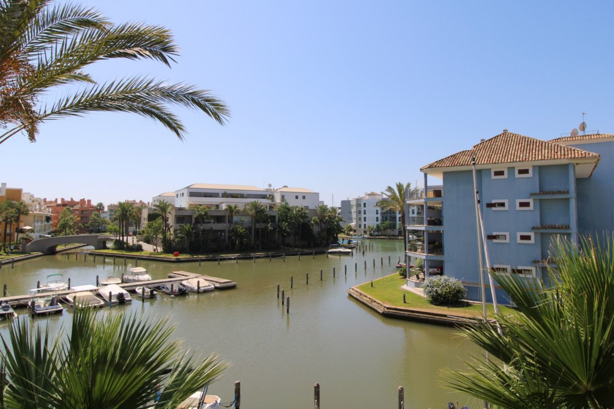 Stunning beachfront apartment for sale in the marina of Sotogrande, located in a very tranquil area ,Spain