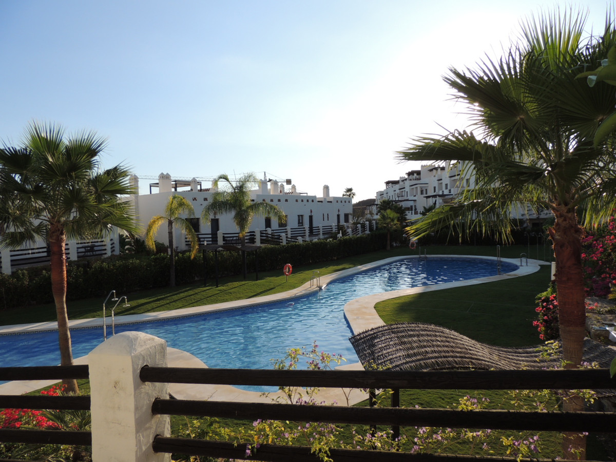 Magnificent apartment located on the ground floor, on the corner, in one of the best areas of the ur,Spain
