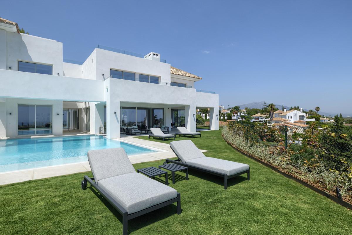 Detached Villa for sale in El Paraiso R3838615
