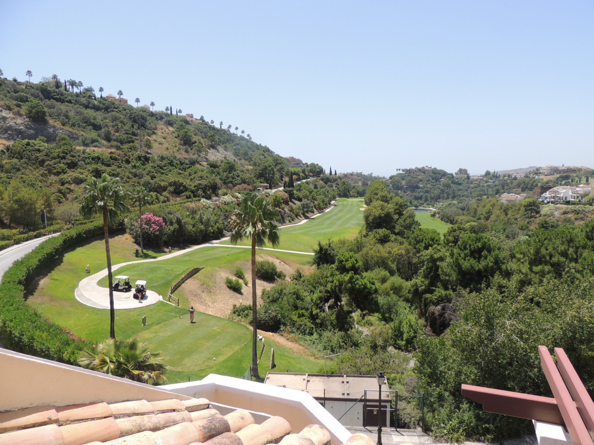 RENTED FOR LONG TERM CANNOT BE SEEN TILL NOVEMBER Magnificent frontline golf penthouse with solarium, Spain