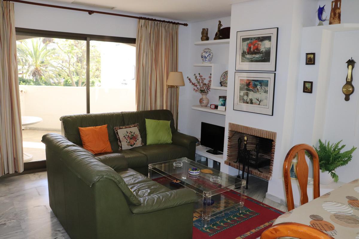 Apartamento en Venta en Elviria – R3554842
