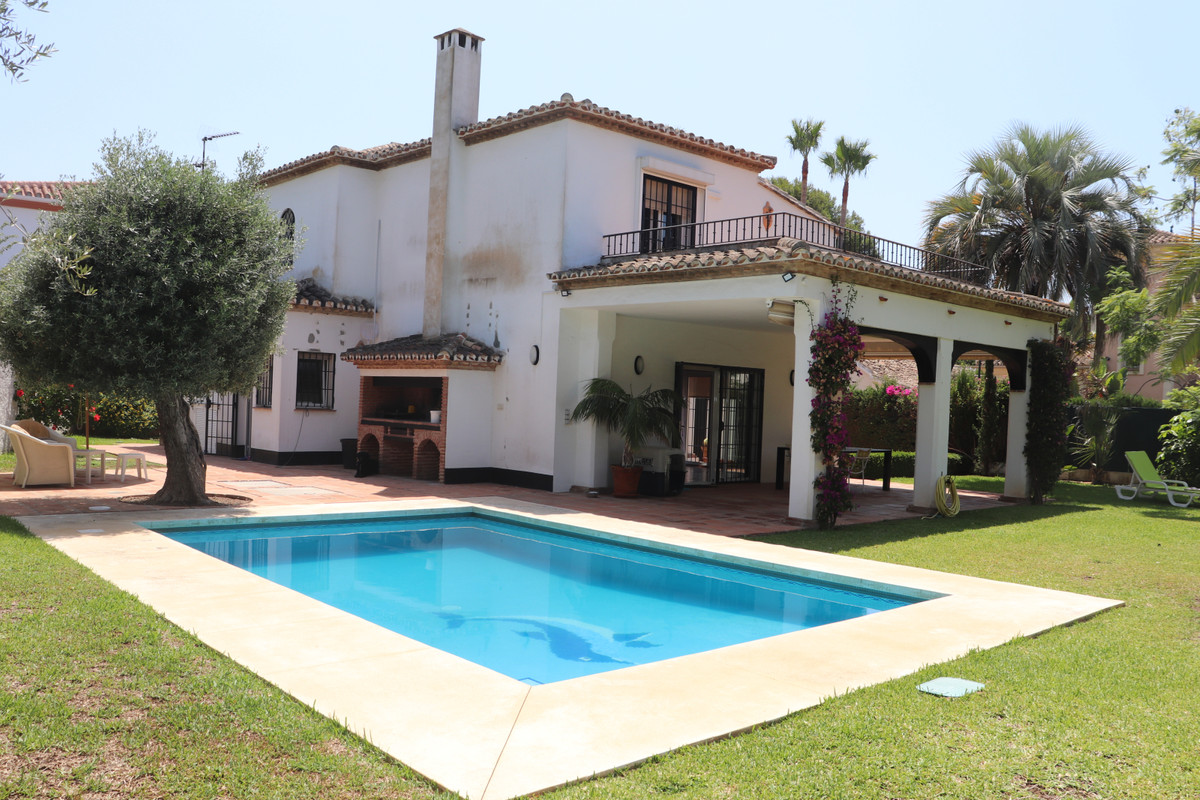 Beautiful beachside villa located at just 300 meters from the beach. This lovely and well mantained ,Spain