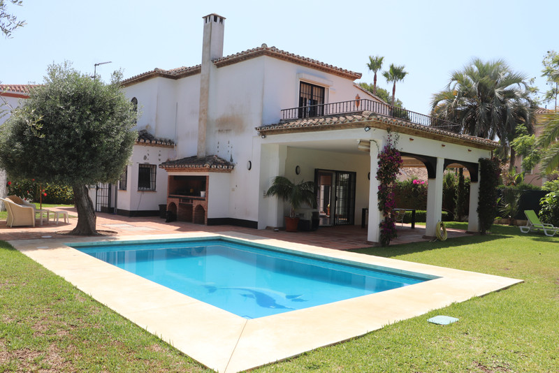 Detached Villa Artola