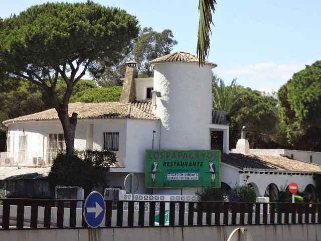 This Restaurant LOS PAPAGAYOS, is located in ELVIRIA, walking distance to the commercial center, eas,Spain
