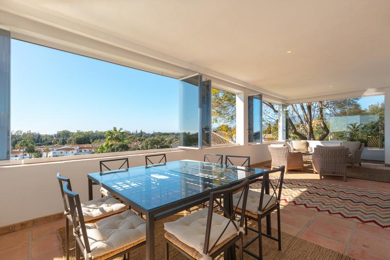 Villa – Chalet en venta en Elviria – R3623063