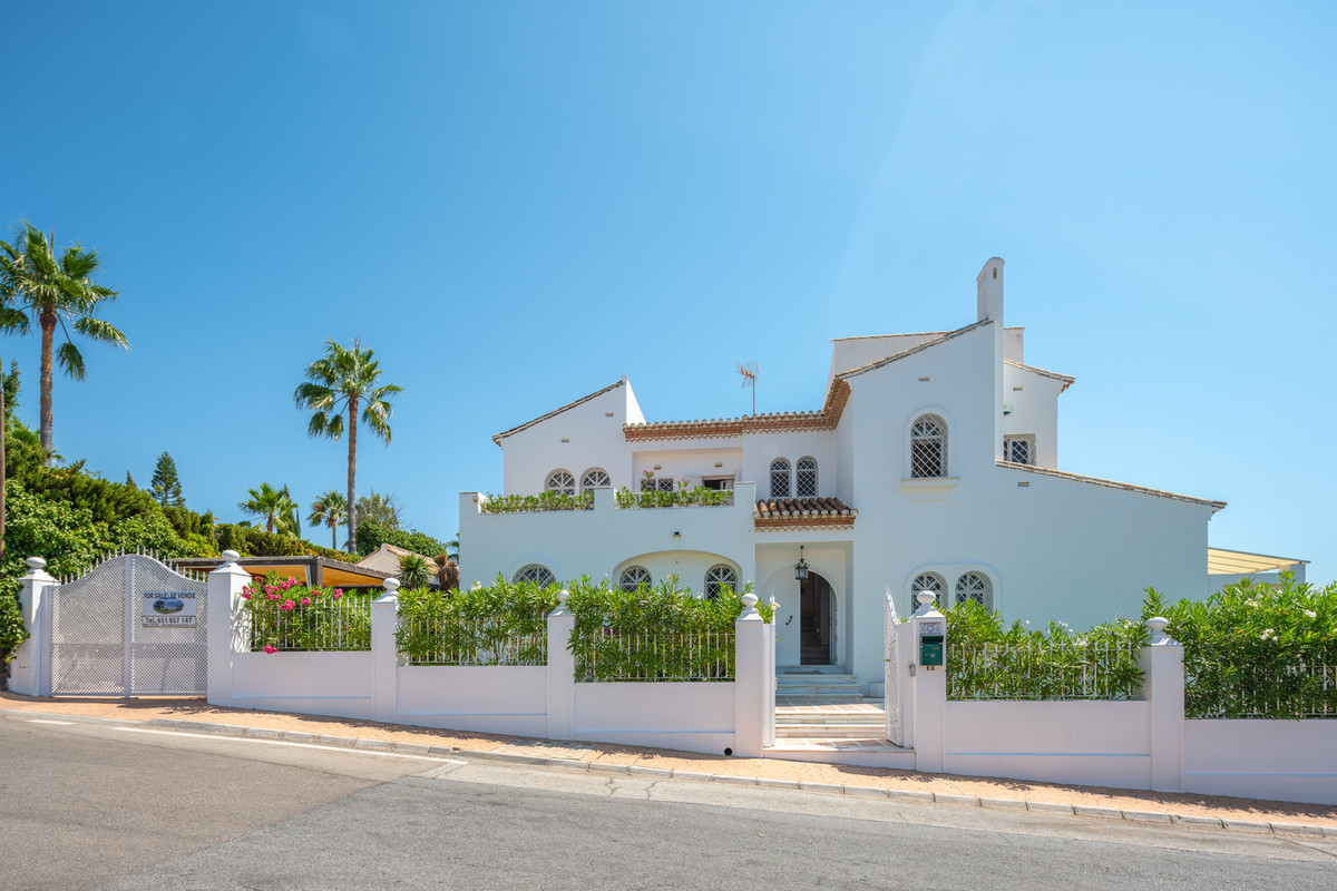 Elegant and well located villa close to amenities. Sea views to the south-west from first floor and , Spain
