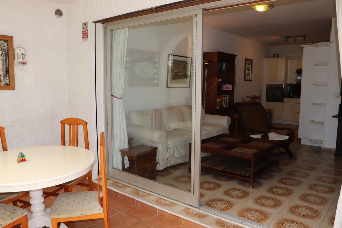 Unifamiliar con 2 Dormitorios en Venta Elviria