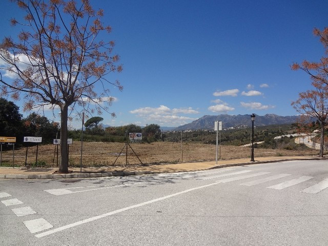 Plot  Residential 													for sale  																			 in Elviria