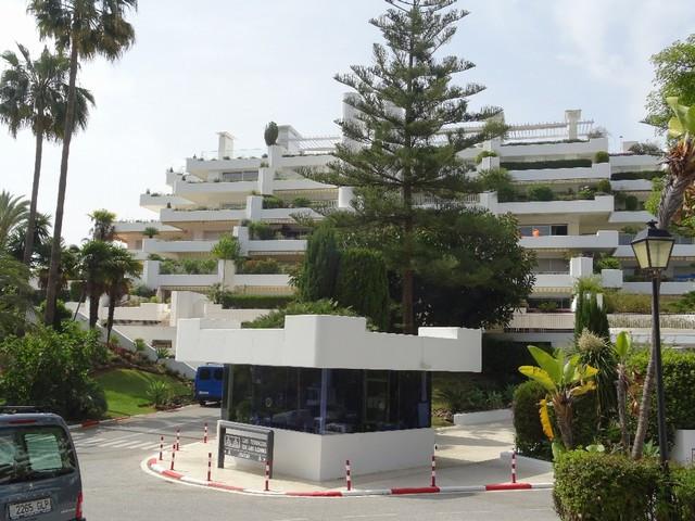 Marbella Banus Apartamento en Venta en The Golden Mile – R2926934