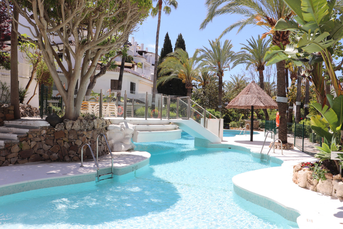 Very nice and large ground floor apartment located in the beautiful complex GOLDEN BEACH, opposite t, Spain