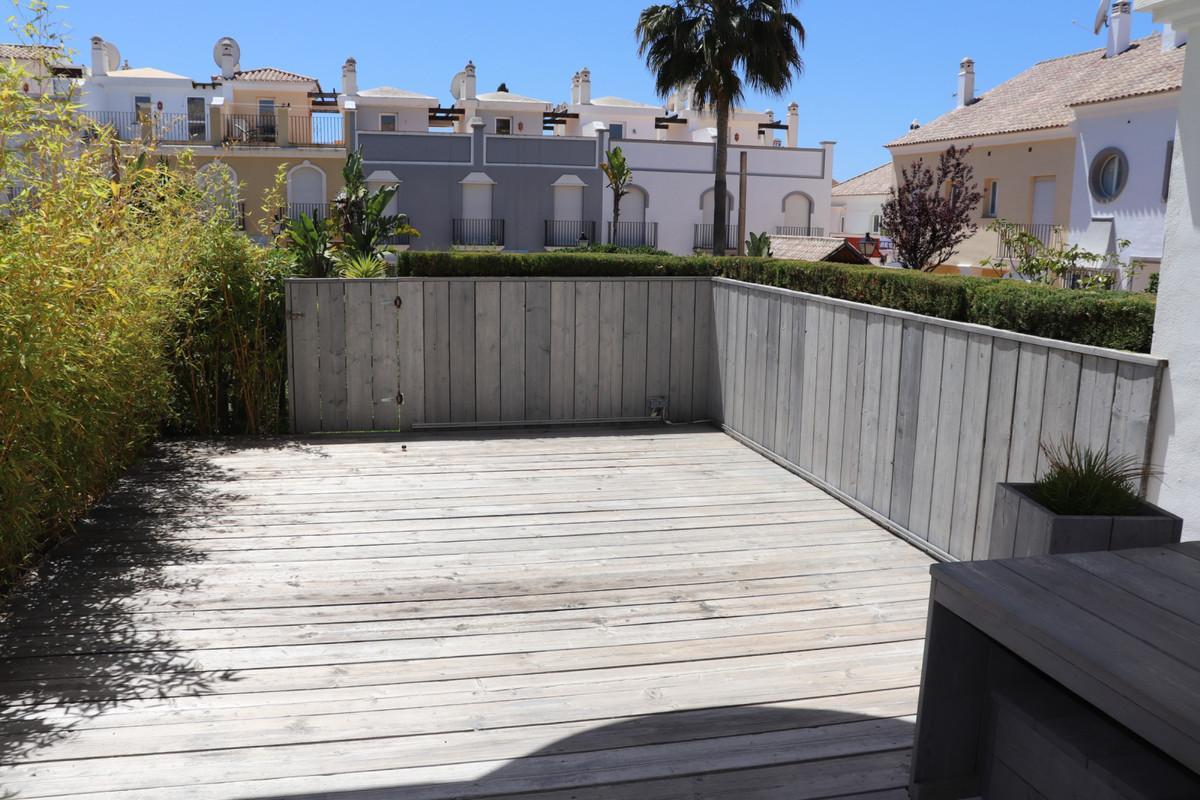 Adosado en Venta en Bahía de Marbella – R3426964