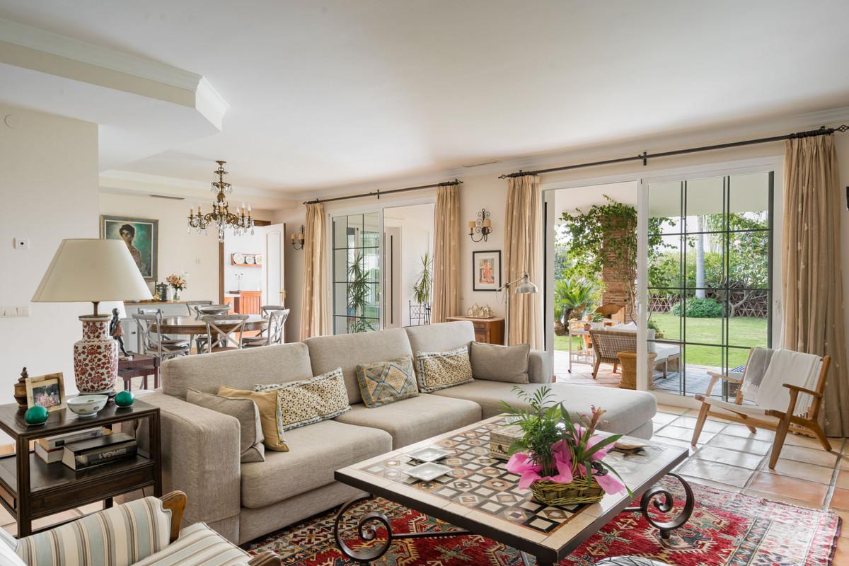 Villa – Chalet en Venta en Elviria – R2925290