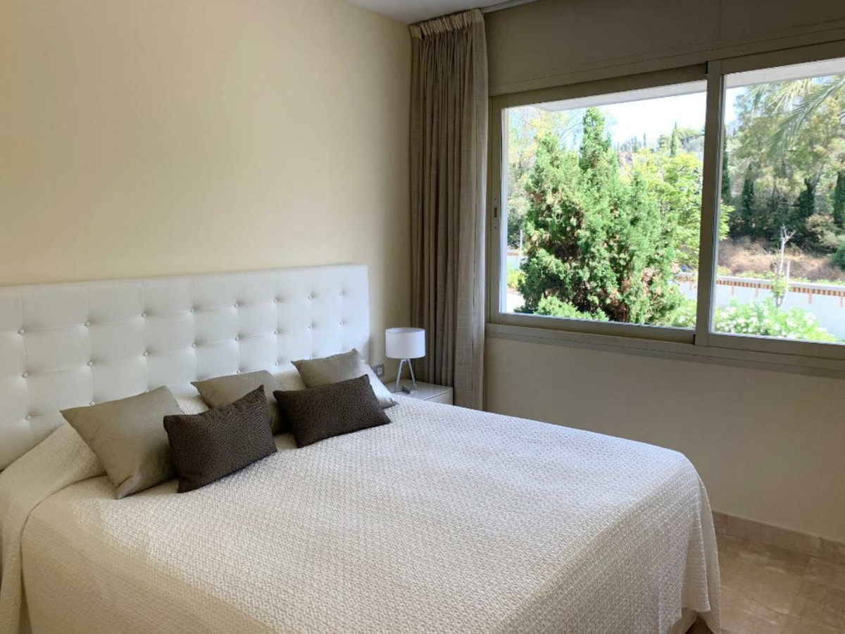 Apartment Middle Floor for sale in The Golden Mile, Costa del Sol