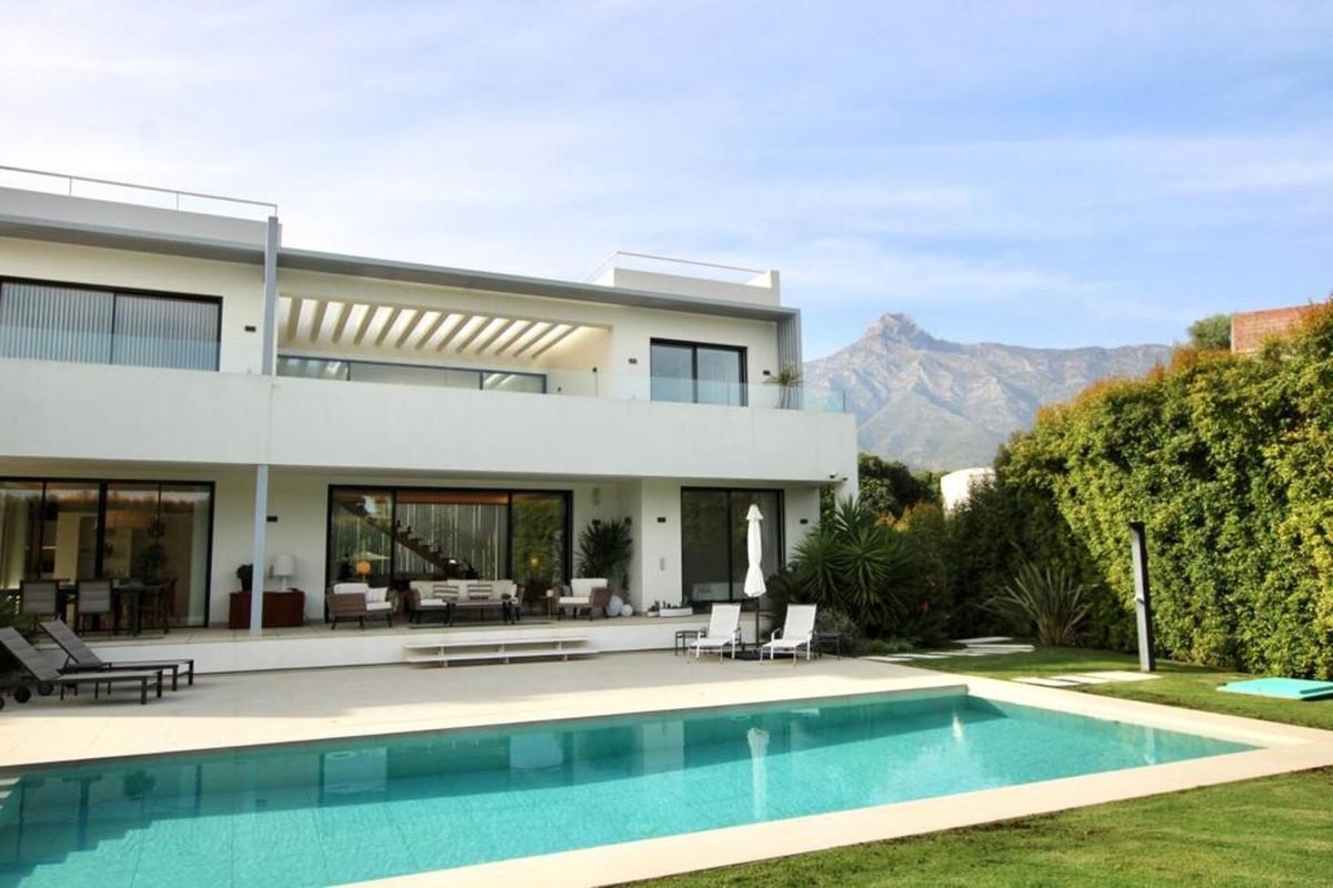 Villa Till salu i The Golden Mile R3770911
