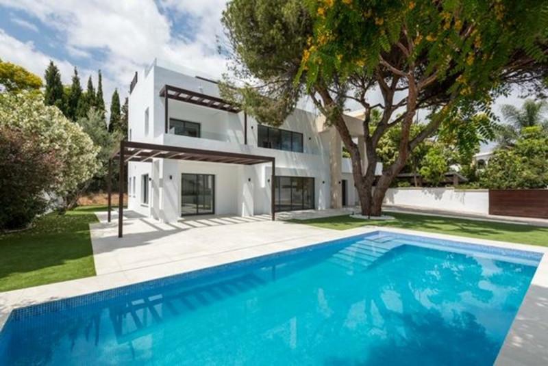 Detached Villa in The Golden Mile for sale