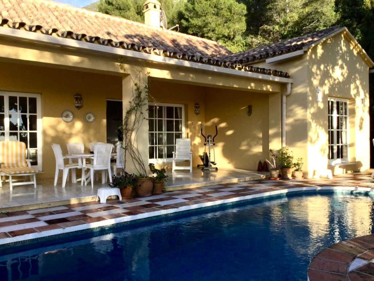 2 Bed Villa For Sale in Sierra Blanca