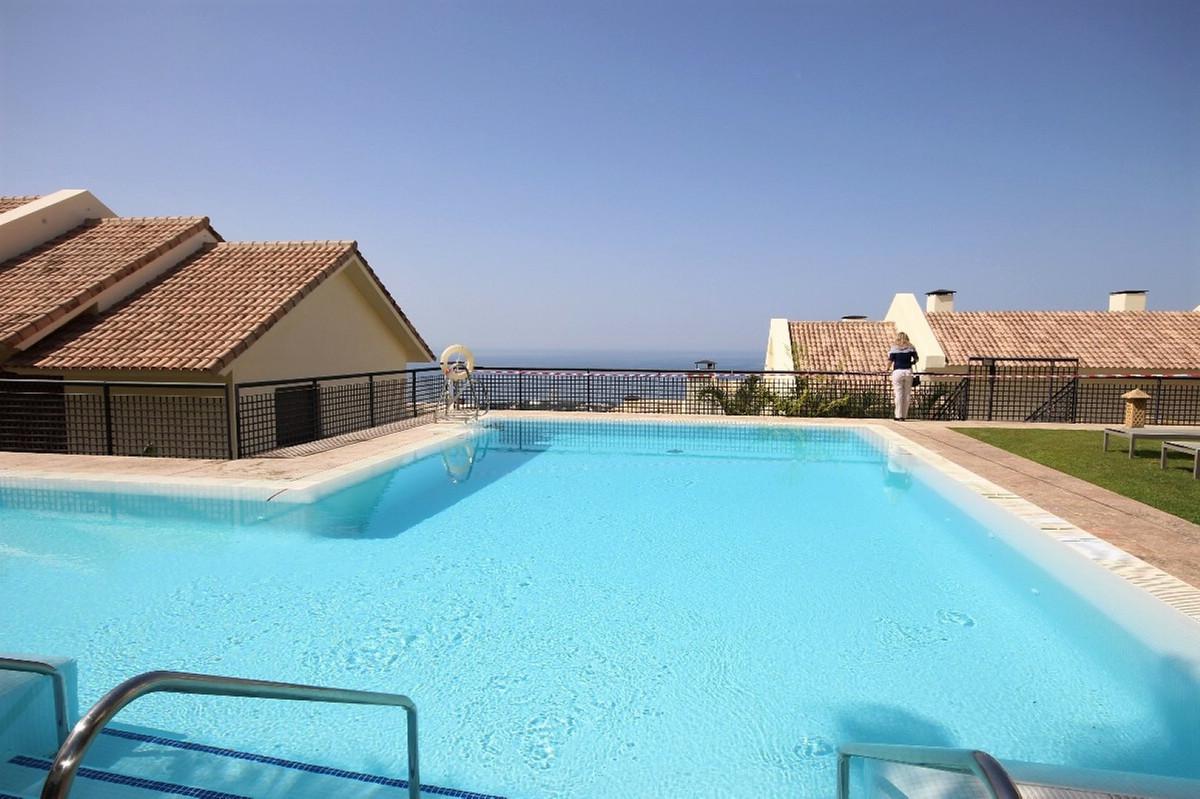 Marbella Banus Apartamento Planta Media en Venta en Altos de los Monteros – R3114397