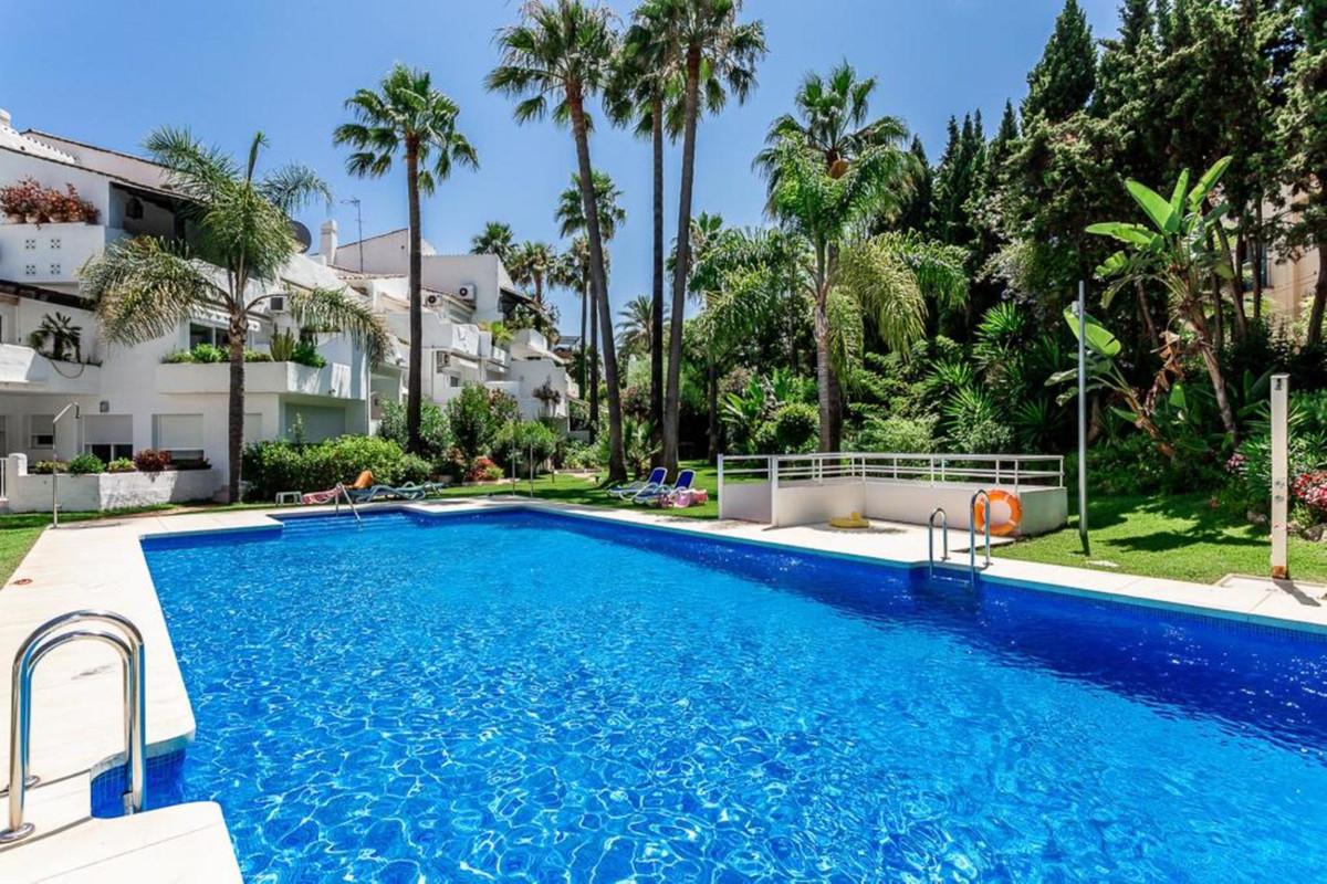Marbella Banus Apartamento Planta Media en venta en Puerto Banús – R3346648