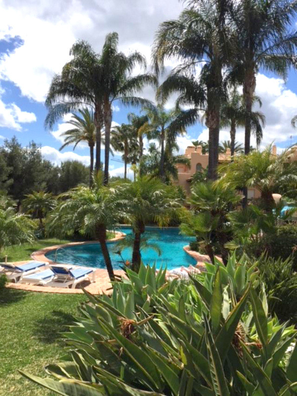 Very nice apartment with 3 bedrooms in the heart of the Sierra Blanca. Ground floor apartment with d,Spain