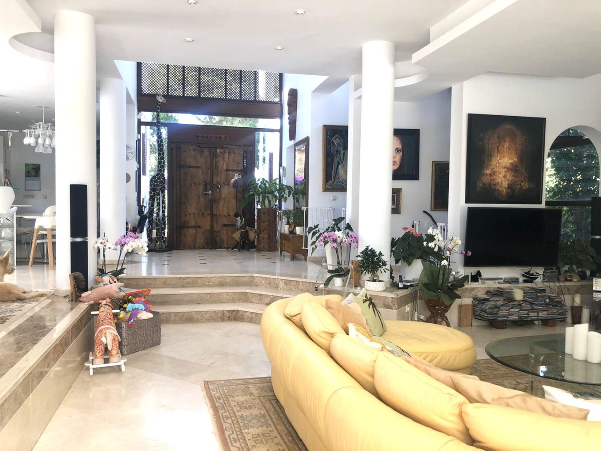Villa con 4 Dormitorios en Venta El Presidente