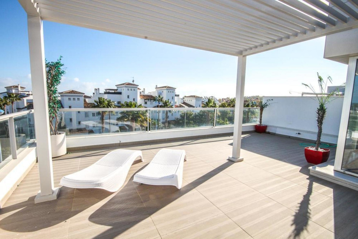 Apartment, Penthouse  for sale    in San Pedro de Alcántara