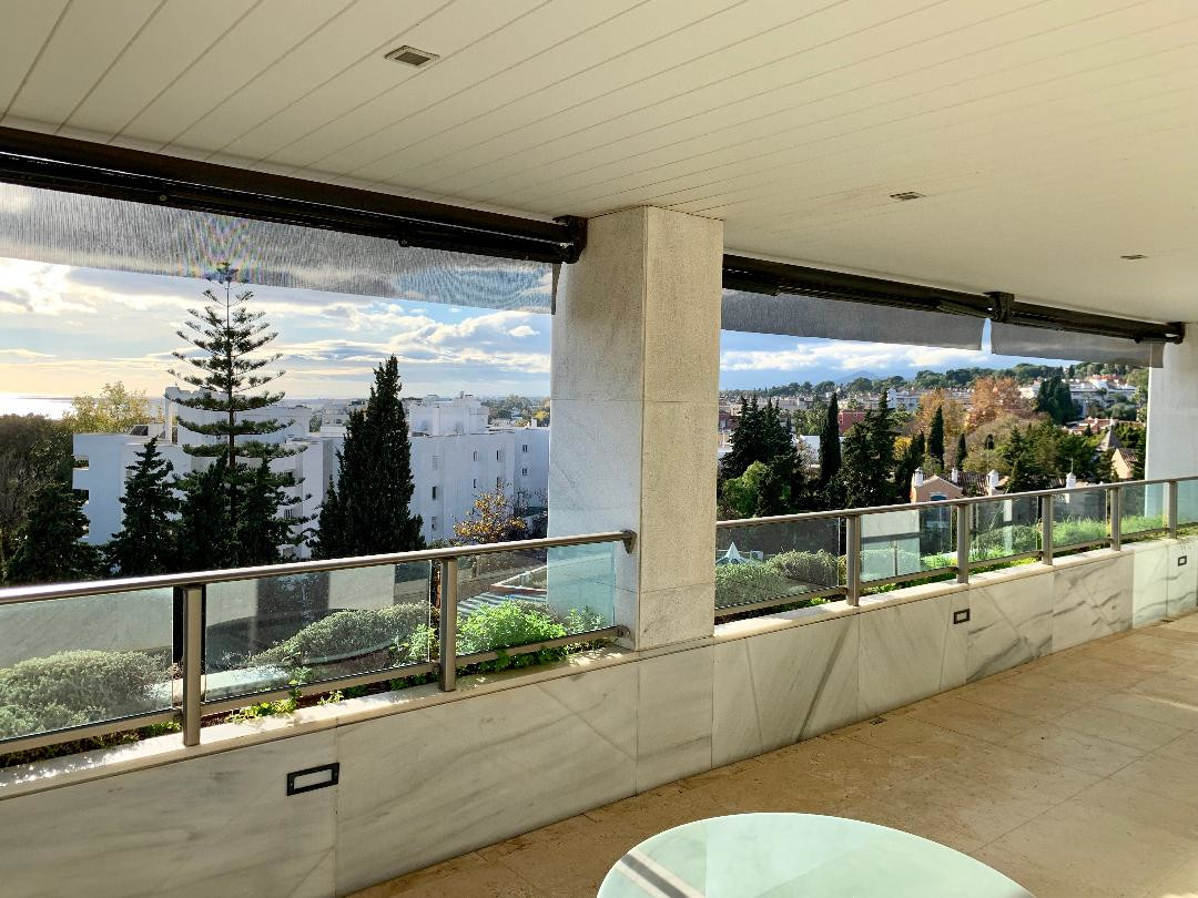 This spacious, sunny apartment is part of a development, with the best services in the most prestigi,Spain