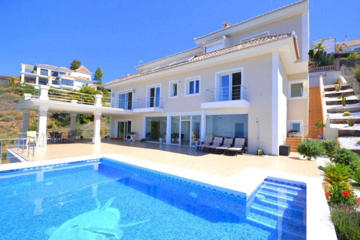 Marbella Banus Villa – Chalet en Venta en Altos de los Monteros – R3361627