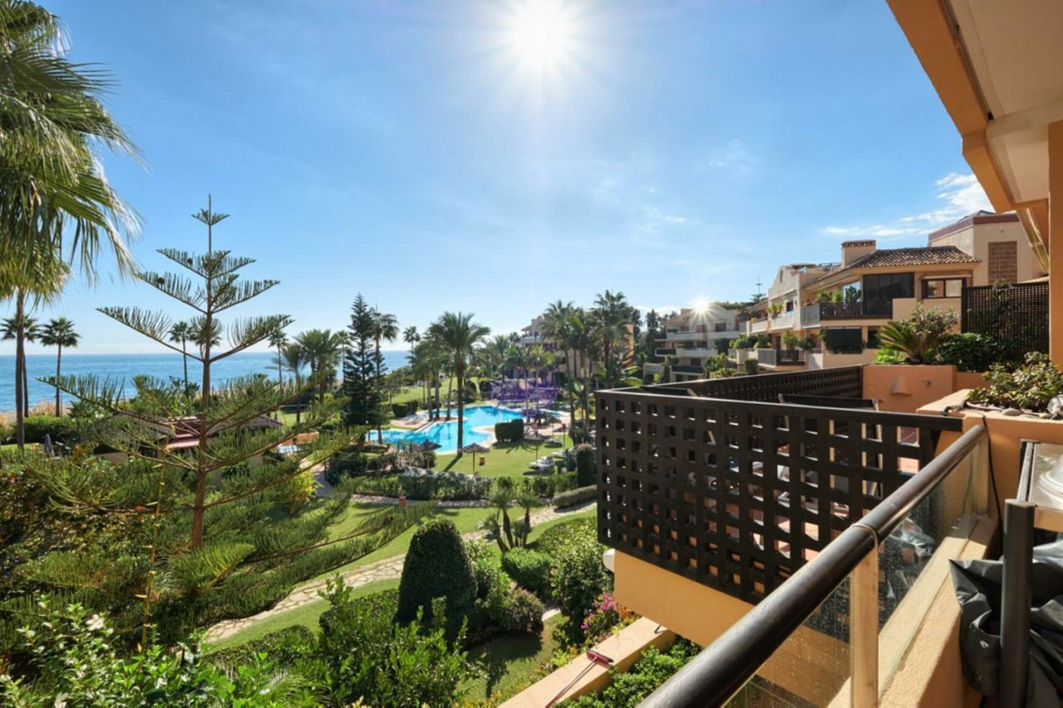3 Bedroom Apartment for sale Costalita