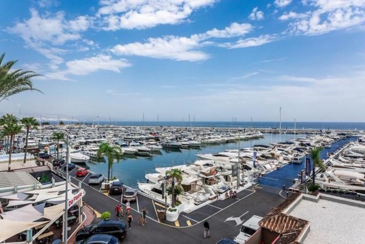 Marbella Banus Ático en Venta en Puerto Banús – R3346840
