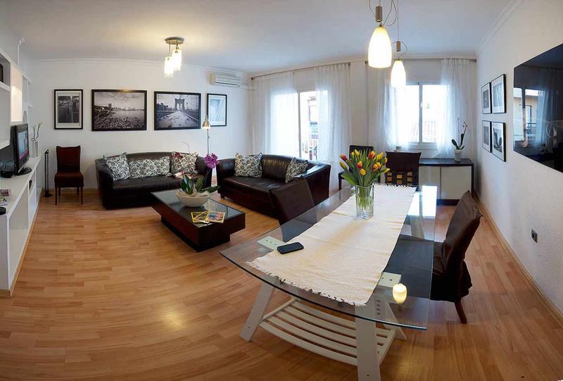 Middle Floor Apartment Fuengirola alt=