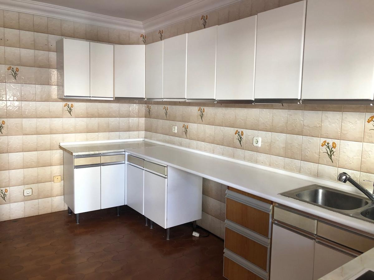 Villa en Venta en San Pedro de Alcántara – R3609650