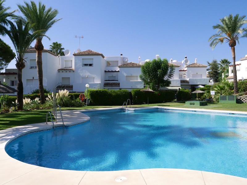 Marbella Banus Adosada en venta en New Golden Mile – R3016490