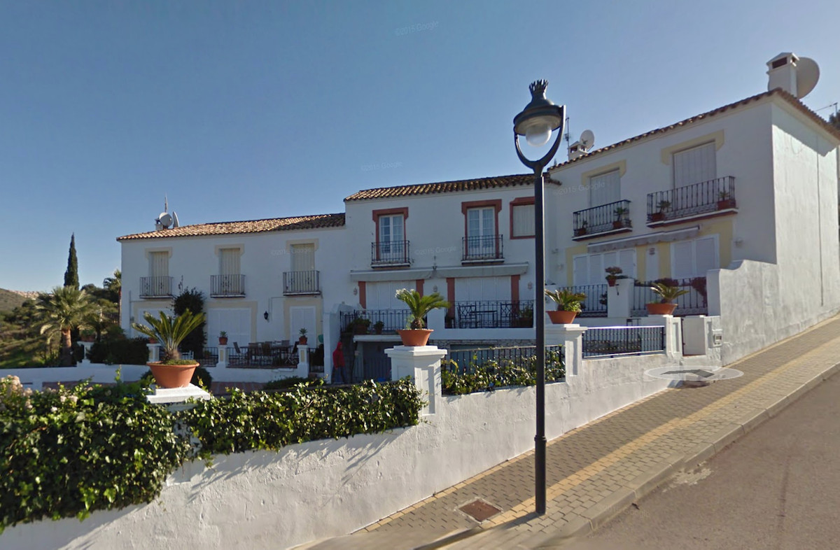 Townhouse, , Costa del Sol. 2 Bedrooms, 2 Bathrooms, Built 160 m², Terrace 20 m².  Setting : Close T, Spain