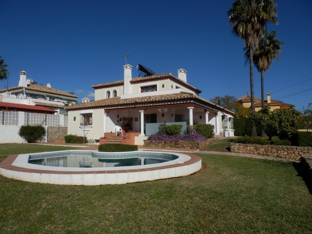 Lovely villa located in a residencial area which is a short drive to the town of Marbella. Quiet and,Spain