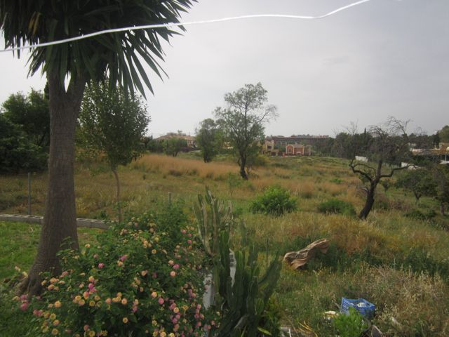 Large plot with plans for 24 town houses in a quiet location near Guadalmina and close to the town o, Spain
