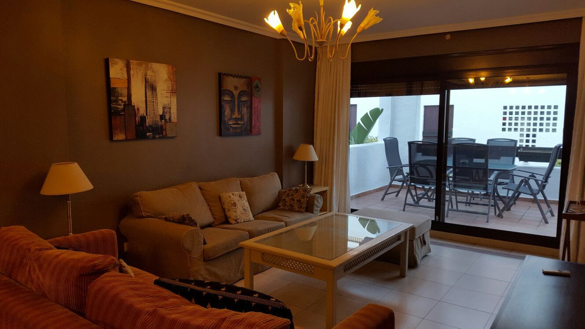 Ground Floor Apartment for sale in Nueva Andalucía R2638718