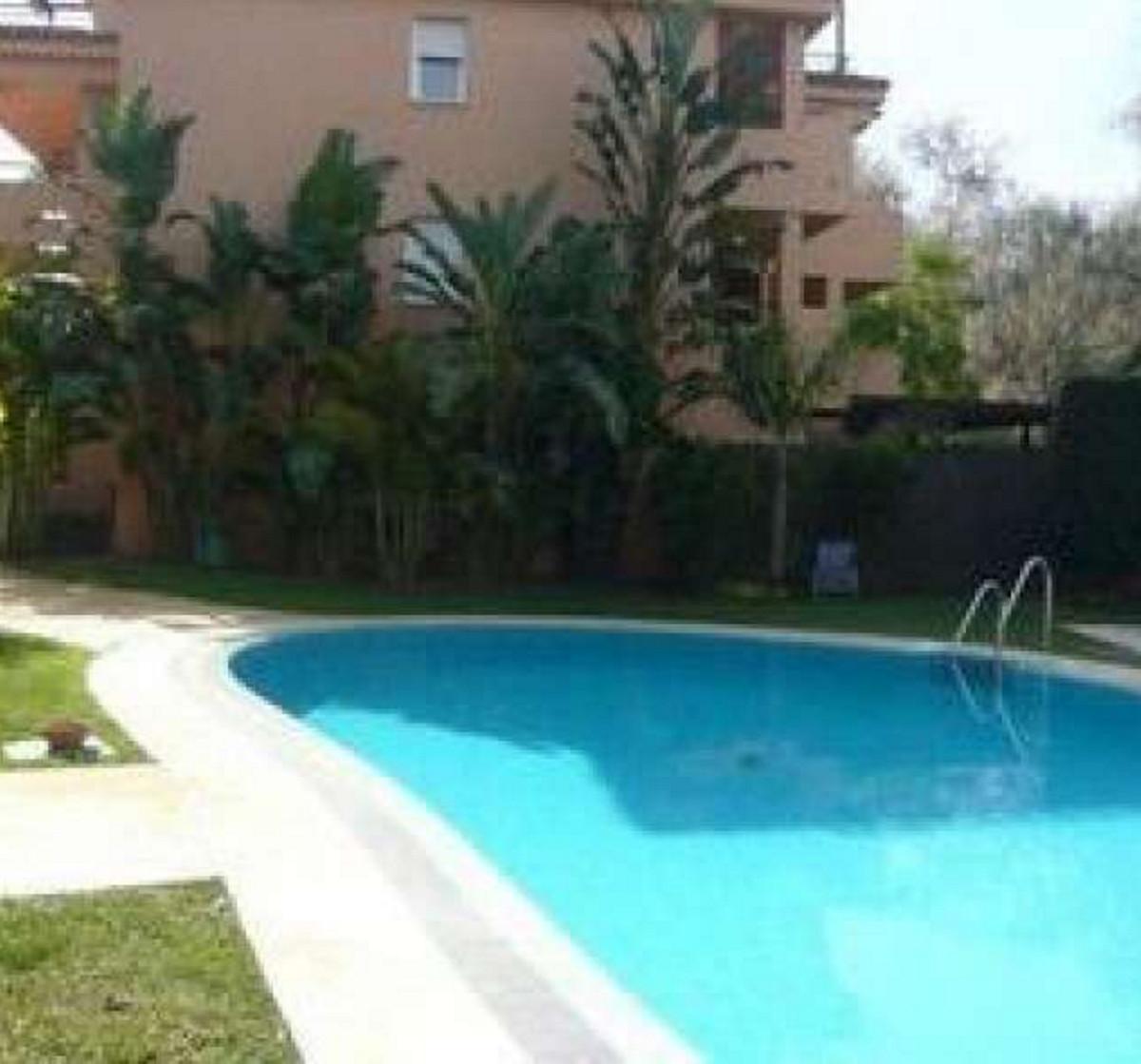 Marbella Banus Apartamento Planta Media en venta en El Rosario – R2553764