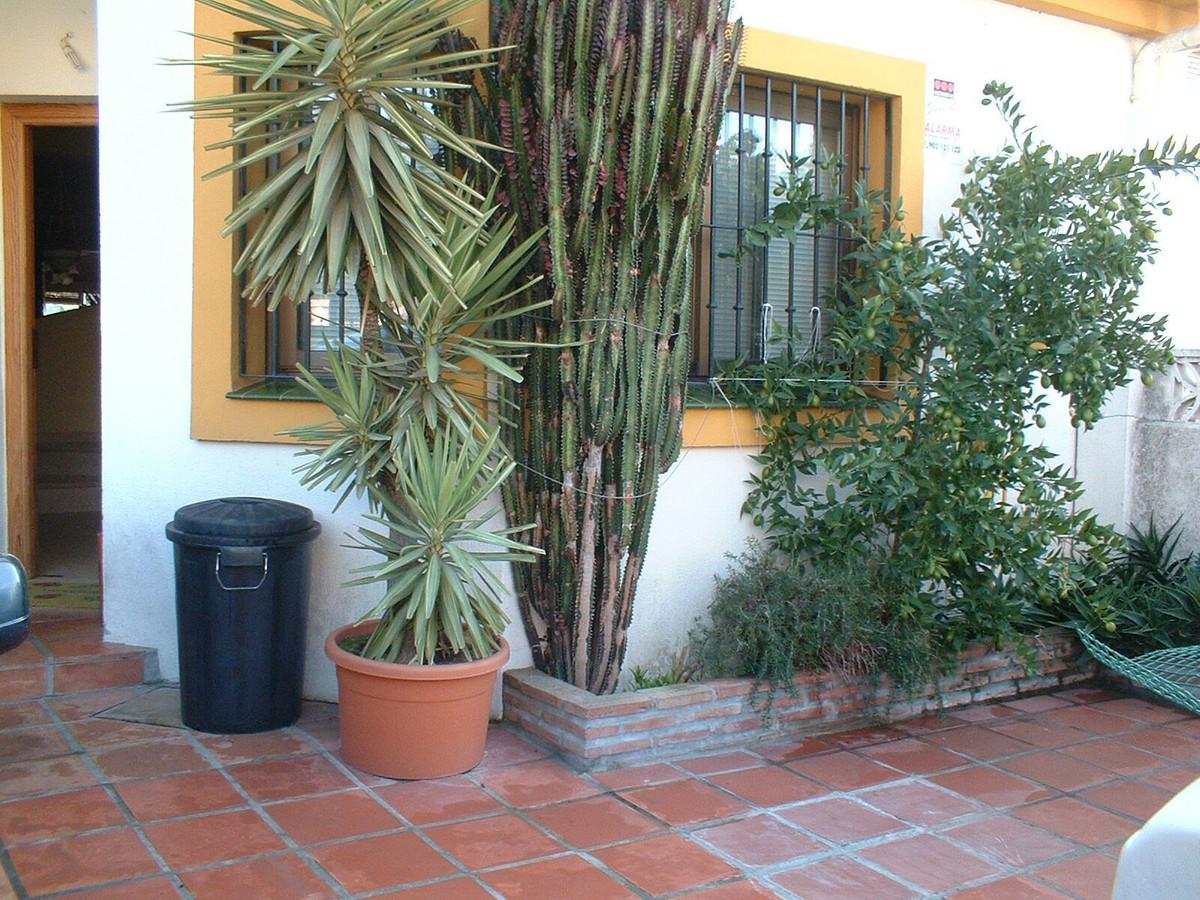Marbella Banus Adosada en Venta en Nueva Andalucía – R2650850