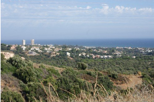 Building plot prominently situated between the coast road A7 and the tollroad and between two very w,Spain
