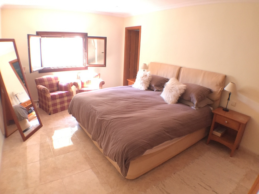 Villa – Chalet en Venta en San Pedro de Alcántara – R2564747