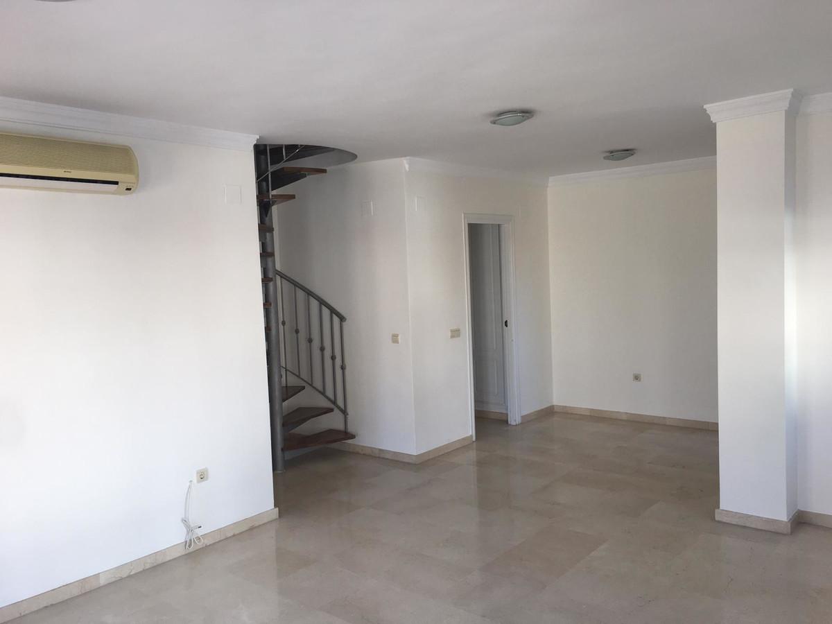ApartmentPenthousefor salein Estepona