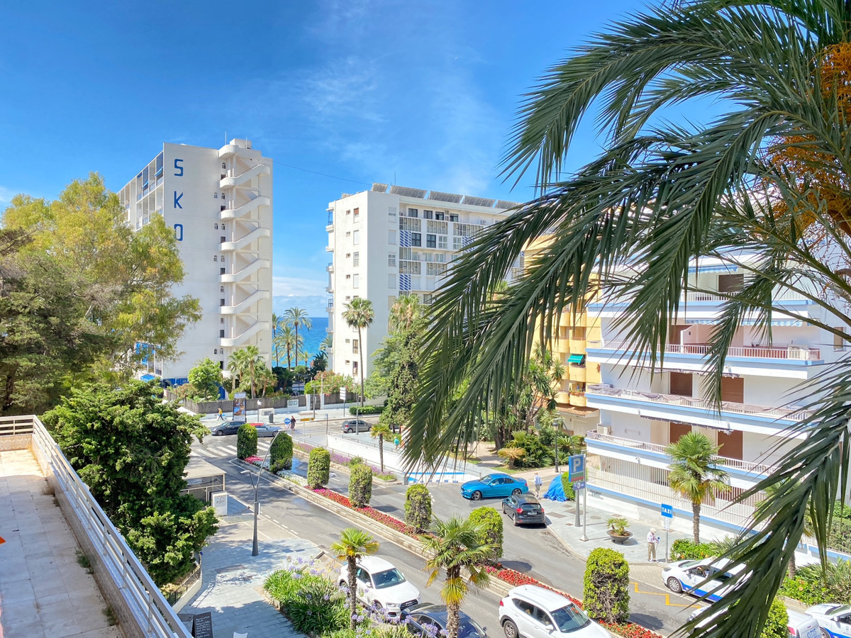 2 Bedroom Apartment For In Marbella