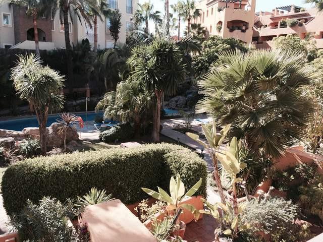Marbella Banus Apartamento Planta Media en Venta en Benahavís – R2950925