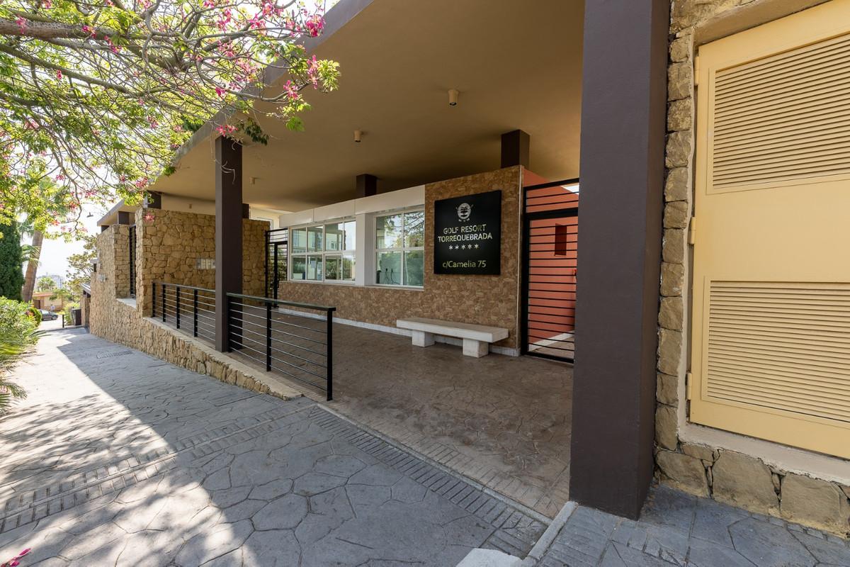 Apartamento Planta Media en venta en Benalmadena R3835114