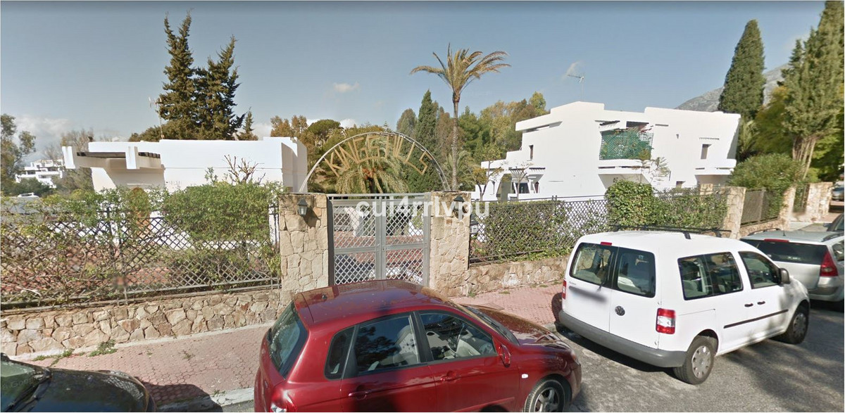 Community parking in LOMAS DE MARBELLA CLUB, complex KINGS HILLS OF 17 M2. HAZME UNA OFERTA  !!!   G, Spain